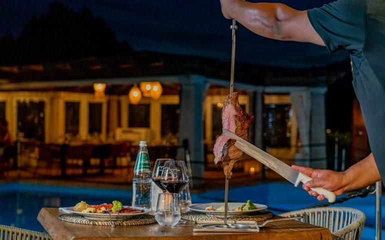Carne brasiliana pregiata con vista sul mare della Costa Smeralda: Jacanà, esclusiva churrascaria a Porto Rotondo