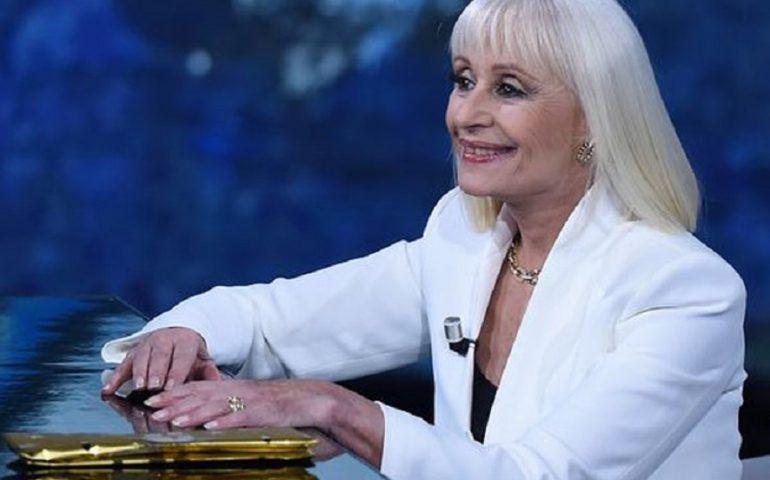 S'est morta Raffaella Carrà, icona de sa televisione italiana