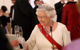 regina-elisabetta-alcol-drink