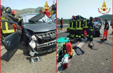 Incidente a Solanas sulla 125 intervento Vigili del fuoco (1)