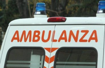 ambulanza-incidente-696x449