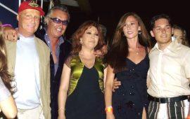 Niki Lauda con Flavio Briatore, Anna La Rosa e Giancarlo Fisichella e la moglie al Billionaire nel 2001
