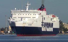 Il traghetto Ariadne di Tirrenia