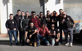 """Foto di gruppo del motoclub """"Commandos"""" di Tertenia."""
